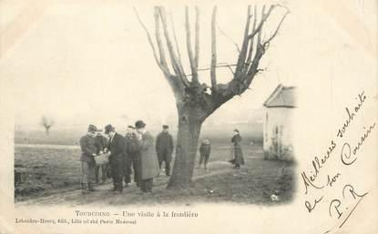 """/ CPA FRANCE 59 """"Tourcoing, une visite à la frontière"""" / DOUANE"""