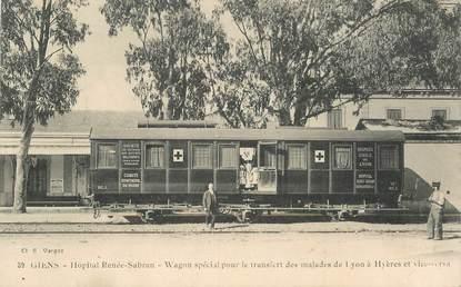 "CPA FRANCE 83 ""Giens, Hopital Renée Sabran, wagon spécial pour le transfert des malades"" / TRAIN"