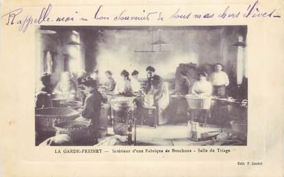 """CPA FRANCE 83 """"La Garde Freinet, intérieur d'une fabrique de bouchons"""""""