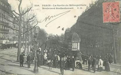 """CPA FRANCE 75018 """"Paris, la sortie du Métro, boulevard Rochechouart"""""""