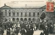 """61 Orne / CPA FRANCE 61 """"Argentan, la place de l'hôtel de ville, le morceau d'ensemble"""""""