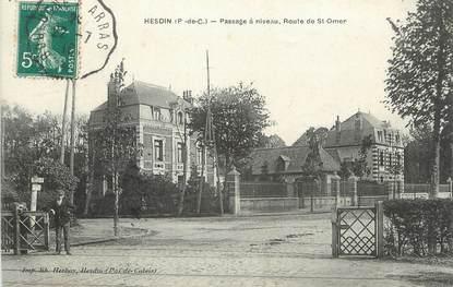 """/ CPA FRANCE 62 """"Hesdin, passage à niveau, route de Saint Omer"""""""