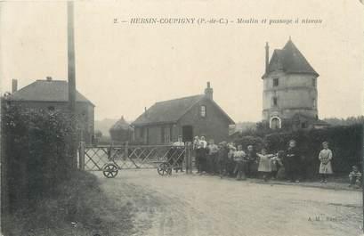 """/ CPA FRANCE 62 """"Hersin Coupigny, moulin et passage à niveau"""""""