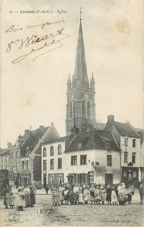 "/ CPA FRANCE 62 ""Laventie, église"""