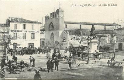 """/ CPA FRANCE 30 """"Aigues Mortes, la place Saint Louis """""""