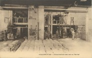 "30 Gard / CPA FRANCE 30 ""Aigues Mortes, l'ensachement des sels au Perrier"""
