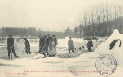 """CPA FRANCE 88 """"L'extraction de la glace aux environs de la Feuillée Dorothée Hotel"""""""