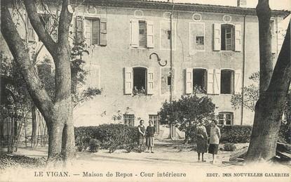 """/ CPA FRANCE 30 """"Le Vigan, maison de repos, cour intérieure"""""""
