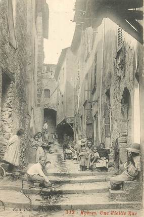 "CPA FRANCE 83 ""Hyères, une vieille rue"""