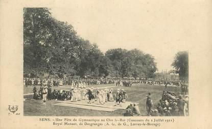 """CPA  FRANCE 89 """"Sens, une fête de gymnastique au Clos Le Roi, 1911"""""""