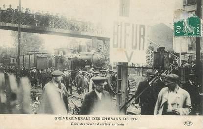 """CPA FRANCE 75 """"Paris, Grève des cheminots, train à l'arrêt"""""""