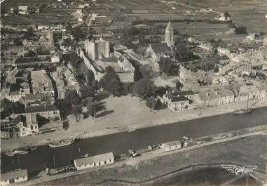"""/ CPSM FRANCE 85 """"Ile de Noirmoutier, vue aérienne, le château et l'église"""""""