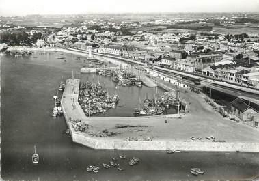 """/ CPSM FRANCE 85 """"Port de Croix de Vie"""""""