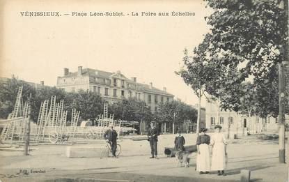 """CPA FRANCE 69 """"Vénissieux, place Léon Sublet, la Foire aux Echelles"""""""