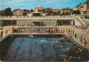 "/ CPSM FRANCE 86 ""Chatellerault, la piscine municipale"""