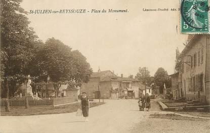 """/ CPA FRANCE 01 """"Saint Julien sur Reyssouze, place du monument"""""""