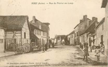 """CPA  FRANCE 10 """"Piney, rue du Poirier au Loup"""""""
