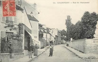 "/ CPA FRANCE 94 ""Champigny, rue du monument"""