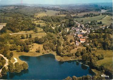 """/ CPSM FRANCE 87 """"Saint Sylvestre Grandmont, vue aérienne sur Grandmont et l'étang de Malessard"""""""
