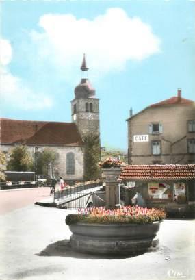 """/ CPSM FRANCE 88 """"Docelles, l'église et la place de la mairie"""""""