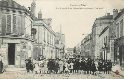 """/ CPA FRANCE 94 """"Maisons Alfort, grande rue"""" / ENFANTS"""