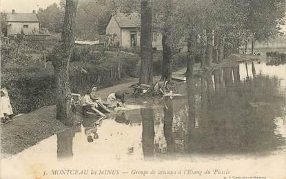 """CPA  FRANCE 71 """"Montceau les Mines, Groupe de laveuses à l'Etang du Plessis"""""""