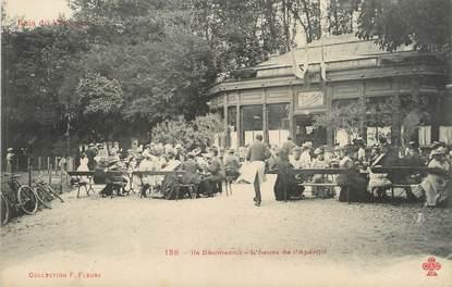 """/ CPA FRANCE 94 """"Bois de Vincennes, Ile Daumesnil, l'heure de l'apéritif"""""""