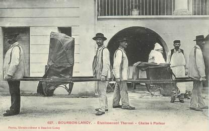 """CPA FRANCE 71 """"Bourbon Lancy, Etablissement thermal, chaise à porteur"""""""