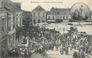 "72 Sarthe CPA FRANCE 72 ""Ecommoy, le marché"""