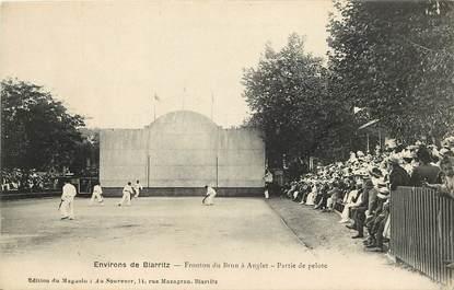 """CPA FRANCE 64 """"Env. de Biarritz, Fronton du Brun à Anglet, Partie de Pelote basque"""""""