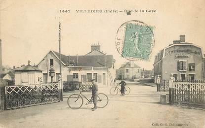 "CPA FRANCE 36 ""Villedieu, rue de la gare"""