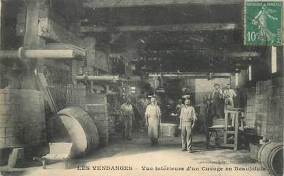 CPA LES  VENDANGES  /  ALCOOL / FRANCE 69