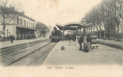 "CPA FRANCE 84 ""Pertuis, la gare"" / TRAIN"