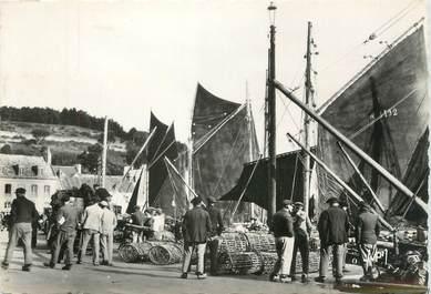 """/ CPSM FRANCE 29 """"Audierne, voiliers dans le port"""""""