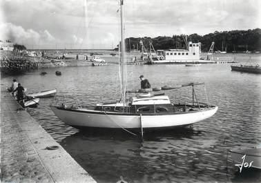 """/ CPSM FRANCE 29 """"Bénodet, la passe de l'Odet et le bac de Sainte Marine"""""""