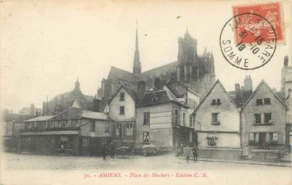"CPA FRANCE 80 ""Amiens, la place des Huchers"""