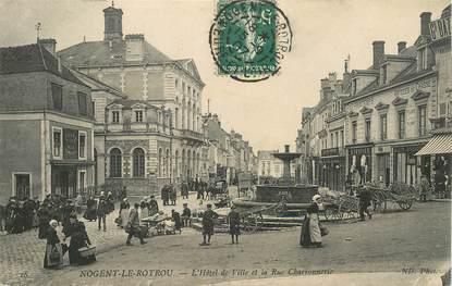 """CPA FRANCE 28 """"Nogent le Rotrou, Hotel de ville et rue Charronnerie"""""""