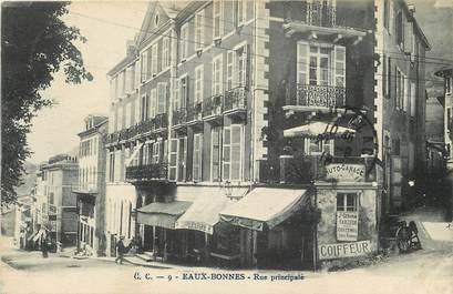 """CPA FRANCE 64 """"Eaux Bonnes,  rue Principale"""""""