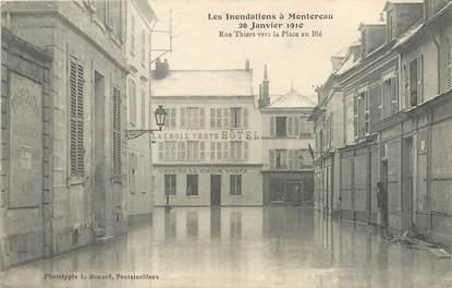 """/ CPA FRANCE 77 """"Montereau, rue Thiers vers la place au Blé"""""""