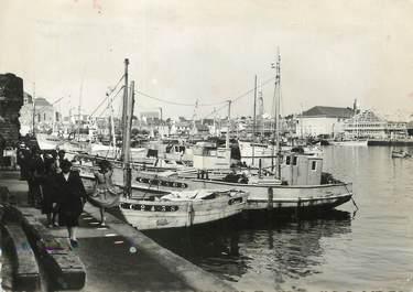 """/ CPSM FRANCE 29 """"Concarneau, vue sur le port"""""""