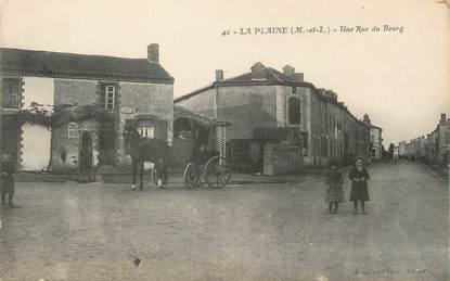 """/ CPA FRANCE 49 """"La Plaine, une rue du Bourg"""""""