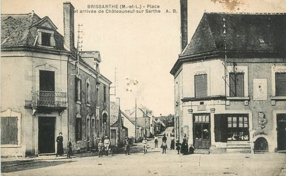 """/ CPA FRANCE 49 """"Brissarthe, place et arrivée de Châteauneuf sur Sarthe"""""""