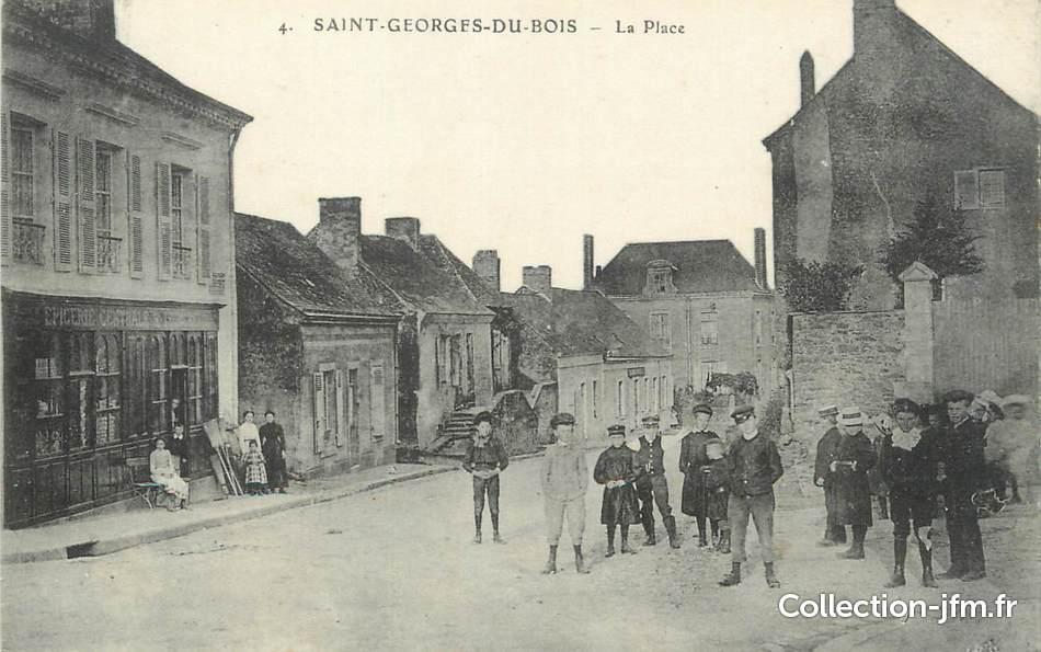 CPA FRANCE 72 Saint Georges du Bois, la place  72 sarthe  autre ~ Saint George Du Bois