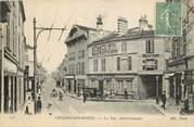 """51 Marne CPA FRANCE 51 """"Chalons sur Marne, la rue Saint Jacques, Hotel de la Cloche"""""""