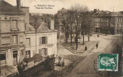 "/ CPA FRANCE 51 ""Epernay, place des fusilliers"""