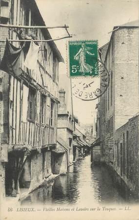 """/ CPA FRANCE 14 """"Lisieux, vieilles maisons et lavoirs sur la Touques"""""""