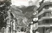 """73 Savoie / CPSM FRANCE 73 """"Saint Jean de Maurienne, la rue de la libération"""""""