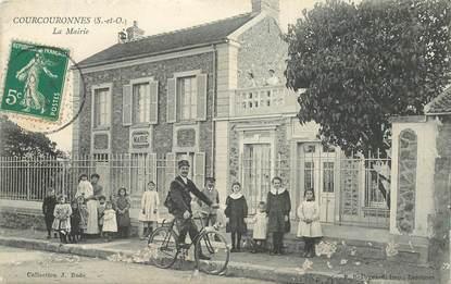 """CPA FRANCE 91 """"Courcouronnes, la Mairie"""""""