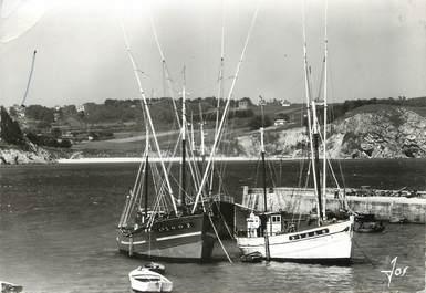 """/ CPSM FRANCE 29 """"Morgat, les Thoniers dans le port"""" / BATEAUX"""