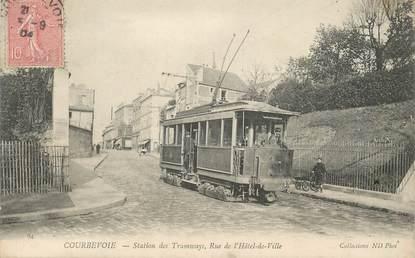 """CPA FRANCE 92 """"Courbevoie, station des tramways, rue de l'Hotel de ville"""""""